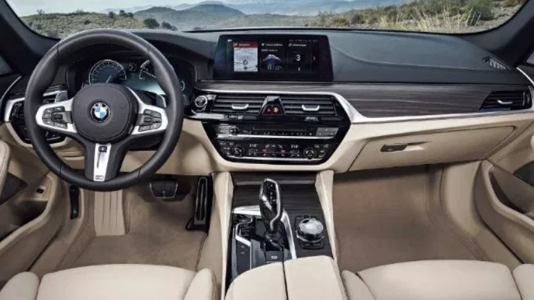 2021 BMW 5 Series Interior
