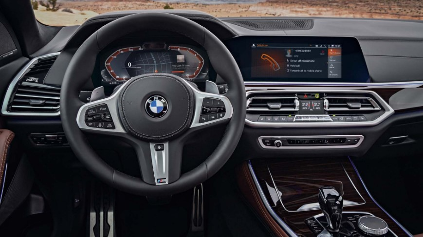 2021 BMW 9 Series Interior