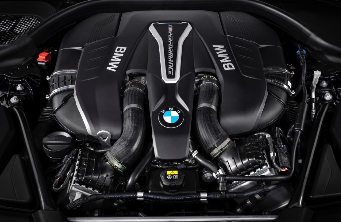 2021 BMW X8 Engine